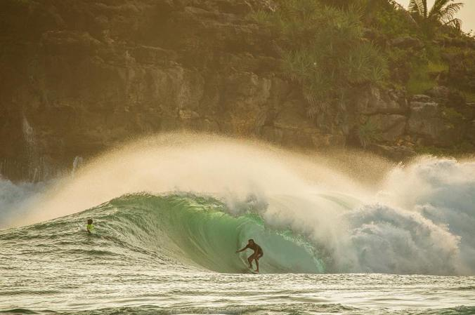Surf-Indonesia